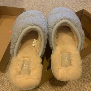 New! Ugg Pearle Curly Cue sky blue size 9